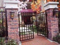金鹏玫瑰郡别墅231平方有地下室和院子露台赠送面积多急售急售