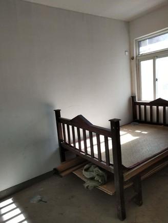 尚城国际 3室2厅 毛坯 双气售楼部