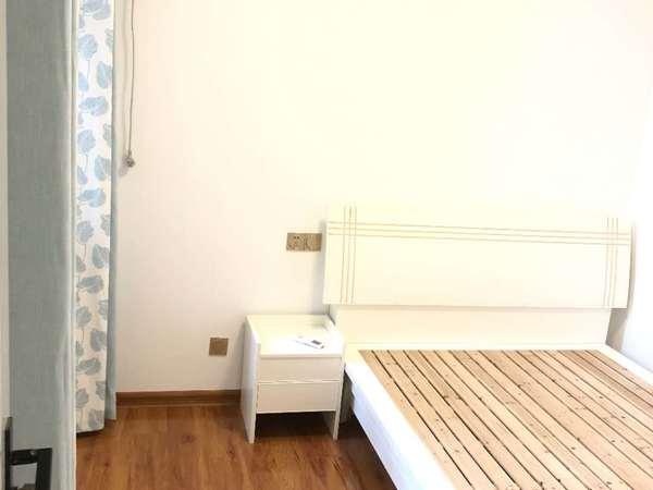 出售 紫薇园 ,黄金楼层,精装全配,拎包入住,家具全配,这个三室两厅
