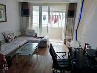 滨湖小区电梯房,精装两室两厅,居住舒适,南北通透,采光一级棒,
