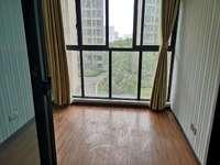 发能凤凰城 4室 精装婚房 看房方便 现在看比照片好看多了 无税