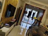 急售二中旁边南湖名苑黄金楼层电梯房3室2厅1卫精装全配77万住宅