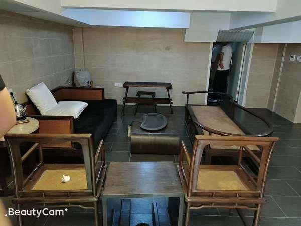 阳光地中海1楼洋房 豪装全配 楼上楼下中央空调 全屋地暖 独立车库 地下140