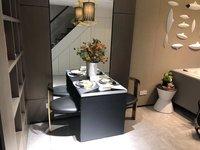高速东方天地公寓 50平 全天采光 精装全配 核心地段 户型漂亮 轻轨口