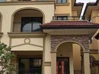 艺境山城双拼别墅东边边户,实际面积有350平 院子,4个大露台,上下四层户型绝佳
