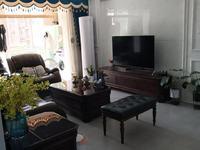 家主在外地精装未怎么住,家电家具全是品牌,户型漂亮,有意向者可实地看房。