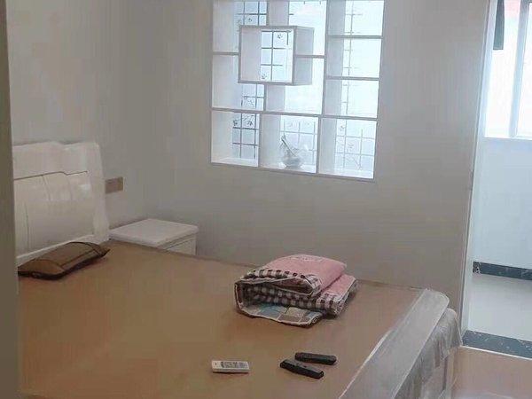 實驗中學學區房、鳳凰二村、鳳凰一村附近4室現代新裝修無稅 有鑰匙、隨時可以看房