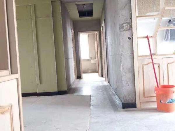 正东中央公馆 三室两厅 市政府旁