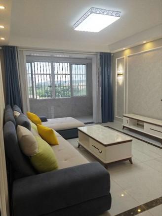 滨湖小区 10楼 113平米 3室2厅 全新精装全配 拎包入住