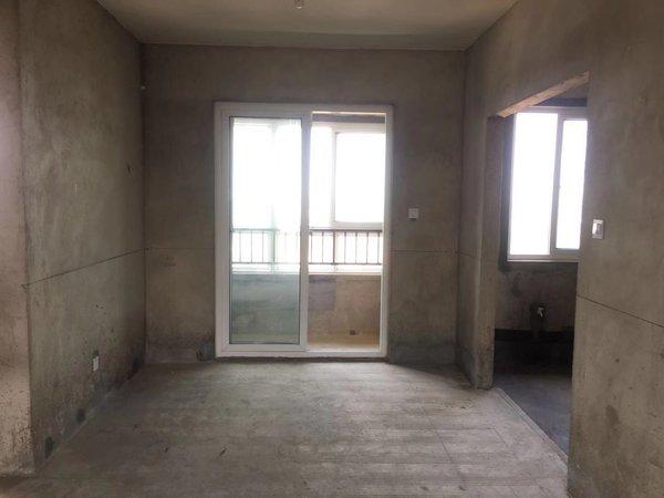 珑熙庄园 毛坯 三室两厅一卫 中高层 采光刺眼 永乐路中学旁 交通方便