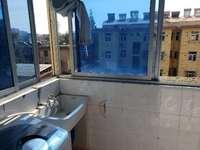 S 市区 公路公寓 简单装修 送地面储藏室一间 看房电话17375366369