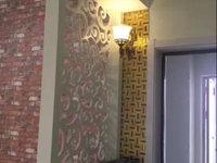 南湖名苑,黄金楼层87平,豪华装修,68万,采光刺眼,一次付,可谈。