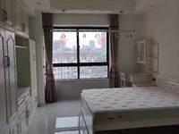 苏宁广场 微信同号 自住2年 首次出租1室1厅1卫50平米1700元/月住宅