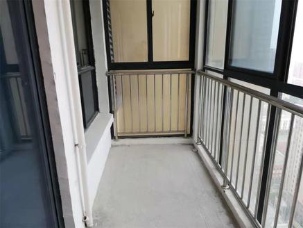 龙蟠南苑 99广场附近 电梯房 毛坯