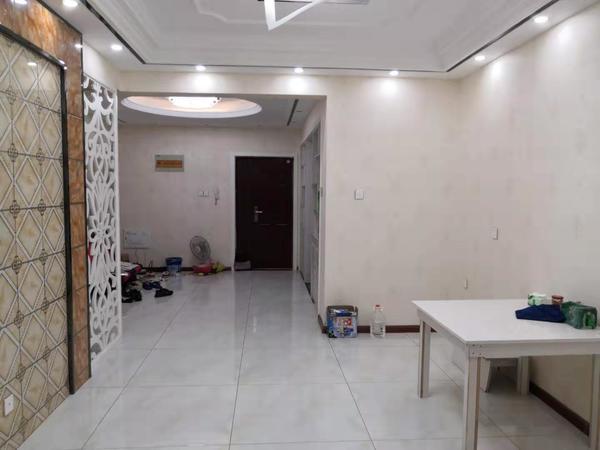 都市名苑电梯洋房 两室精装 前后无遮挡 中间楼层 急卖好谈