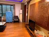 山水人家3樓出租,2300一個月,三室精裝全配,看房方便