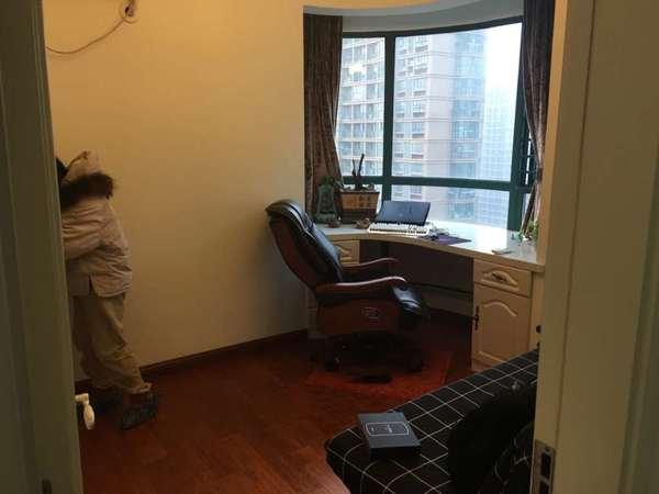 金域豪庭109 10平 精装三室拎包入住 家主急售 珑璟台旁 清流河畔 清流水韵