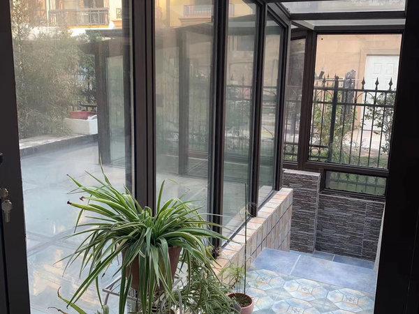 99广场旁 阳光地中海一楼带院子送地下室 带双车库