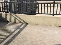 出售宇业天逸华庭洋房复试5室2厅2卫140平米165万住宅