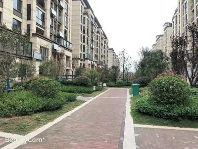 和顺东方花园 145 20平精装4室 家主急售 东坡路中学双学区 近市政府轻轨口