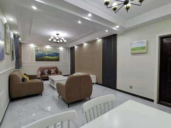 扬子花园电梯房13楼正规三室全新精装套房出售