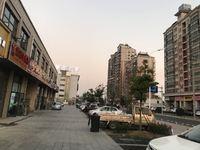 长江商贸城富春园北门口对面,沿街茂业门面,98平