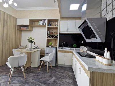 城南恒昌广场公寓,首付3万,52平,均价6800。轻轨技术学院站,层高3.6米