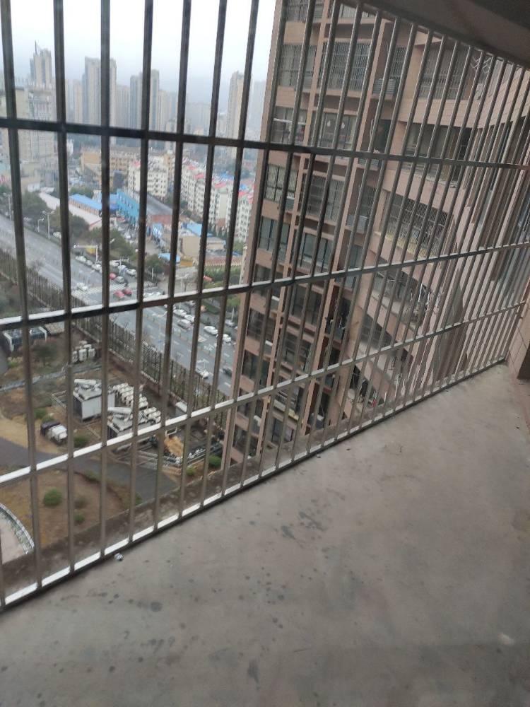 泰鑫城市星座拎包入住包物业包百兆宽带