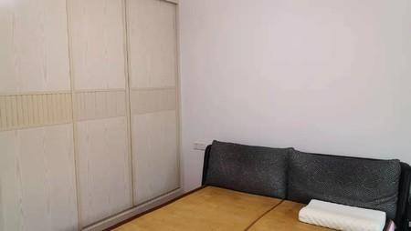 老一中宿舍电梯房二楼正规三室精装套房出售