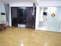 出售泰鑫中环国际广场3室2厅2卫144平米115万住宅