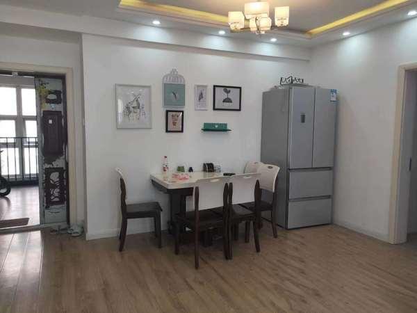创业中苑电梯房中间楼层大二室精装全配套房出售
