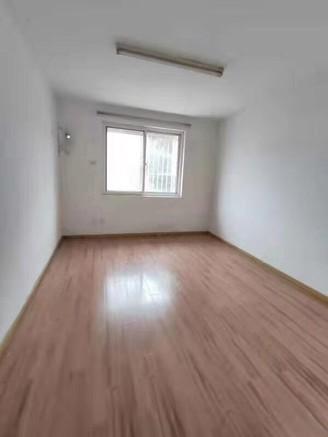 蓝天新二村1楼架空120平米79.8万送院子50平米,采光超好,无税无出让