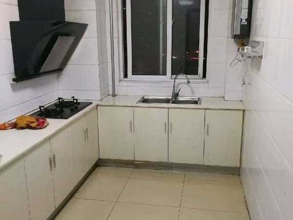 稻香园电梯中层正规三室精装无税套房出售