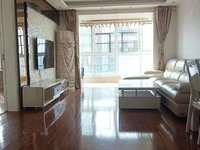 龙山小区电梯房15楼正规三室全新精装套房出售