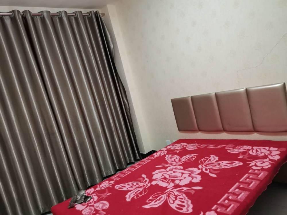出租山水人家1室1厅1卫40平米1300元/月住宅