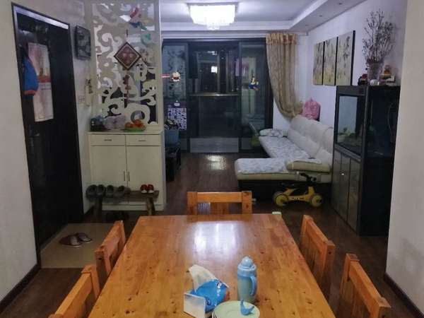 城南,裕坤丽晶城,位于11楼,精装全配,拎包入住,赠送一个车位,无税无尾款