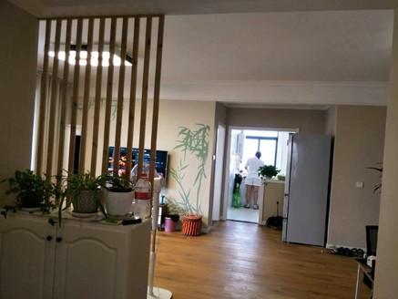 出售苏宁广场3室2厅1卫140万住宅豪华装修看中可谈