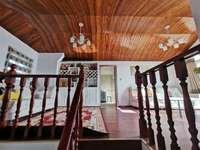 东方红郡洋房顶楼复试精装全配 家主装潢花20万 家主诚心出售 阳光房两个