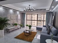 豪装婚房中央空调,靠地铁口,学区房,龙蟠汇景4室2厅2卫145平米128.8万