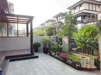 玲珑湾别墅边户产证265平院子100平装潢165万有票据家主去外地发展价格可谈
