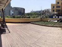 南湖花园、南湖一号附近 大露台、全新精装修一次未住、市中心的私家花园、房型漂亮