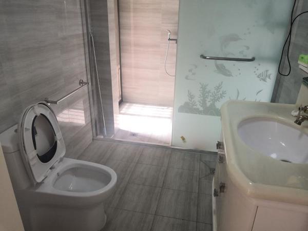 景臣御园 电梯景观房 121平米 4室 精装无税 116.8万可谈 中间户