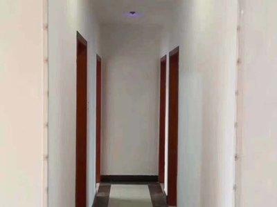 山水人家 顶楼复式 三室两厅 楼下精装 看房方便 看中好谈