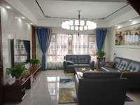 翰林雅苑 洋房顶楼 送大平台 4室2卫 大厨房 119万