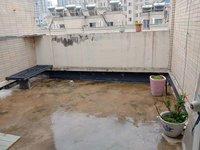 百合花园六楼带跃层大平台三室双卫89 50平米