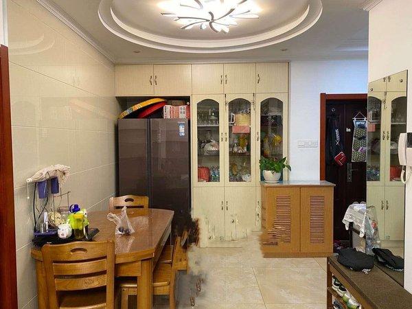 尚城国际 精装两房 低于市场价76万 先到先得