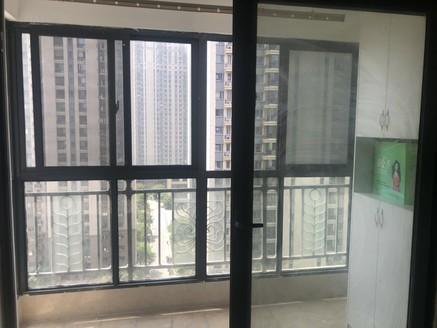 恒大绿洲 81平 中间楼层 阳台已封 价格可谈