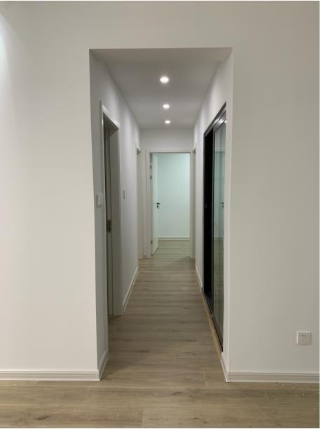 爱丽舍宫精装修3室2厅1卫家电齐全拎包入住1800