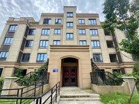 高速公园壹号148平洋房 总高5层 1楼送100平方的院子
