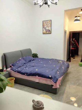 七彩世界公寓低价出售 价格可谈随时看房 拎包入住
